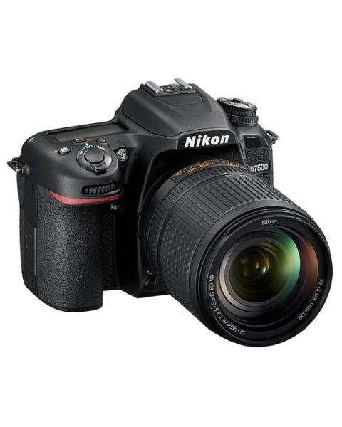 كاميرا نيكون D7500 مع عدسة 18-140 مم VR + بطاقه ذاكره 16 جيجابايت